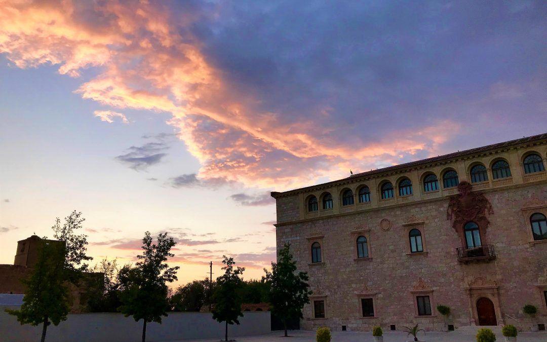 Visita virtual a la exposición 'De Palacio a Casa de los Arqueólogos. Pasado y futuro del Palacio Arzobispal de Alcalá de Henares'.