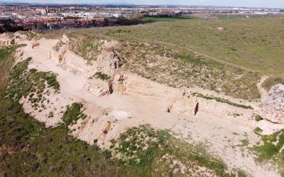 Excavación arqueólogica en el castillo de Alcalá la Vieja